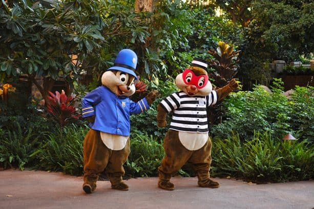 Chip n Dale at Halloween Fun at Aulani, A Disney Resort & Spa