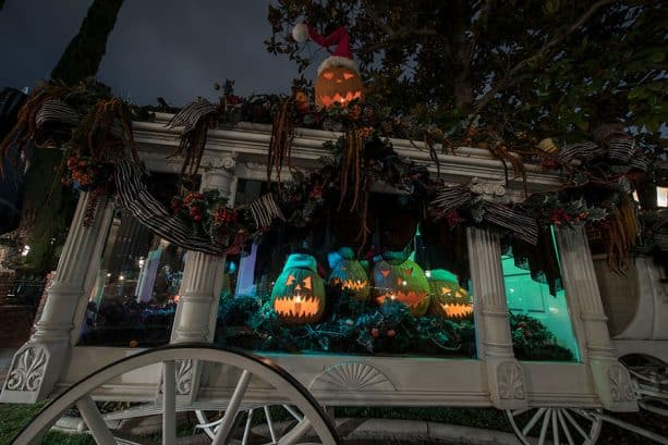 Haunted Mansion Holiday, Disneyland park