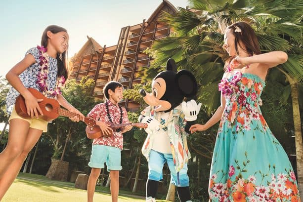 Hoʻokani Pila ­– Learn the 'Ukulele at Aulani Resort