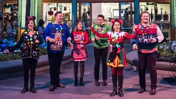 A capella carolers, Downtown Disney District