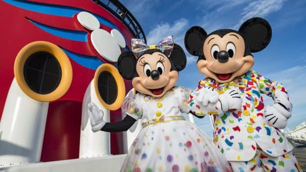 Mickey and Minnie's Surprise Party at Sea