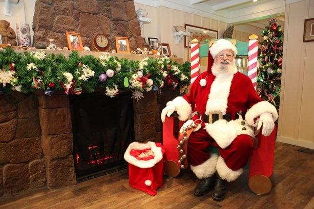 Aloha Santa visit at Aulani, A Disney Resort & Spa