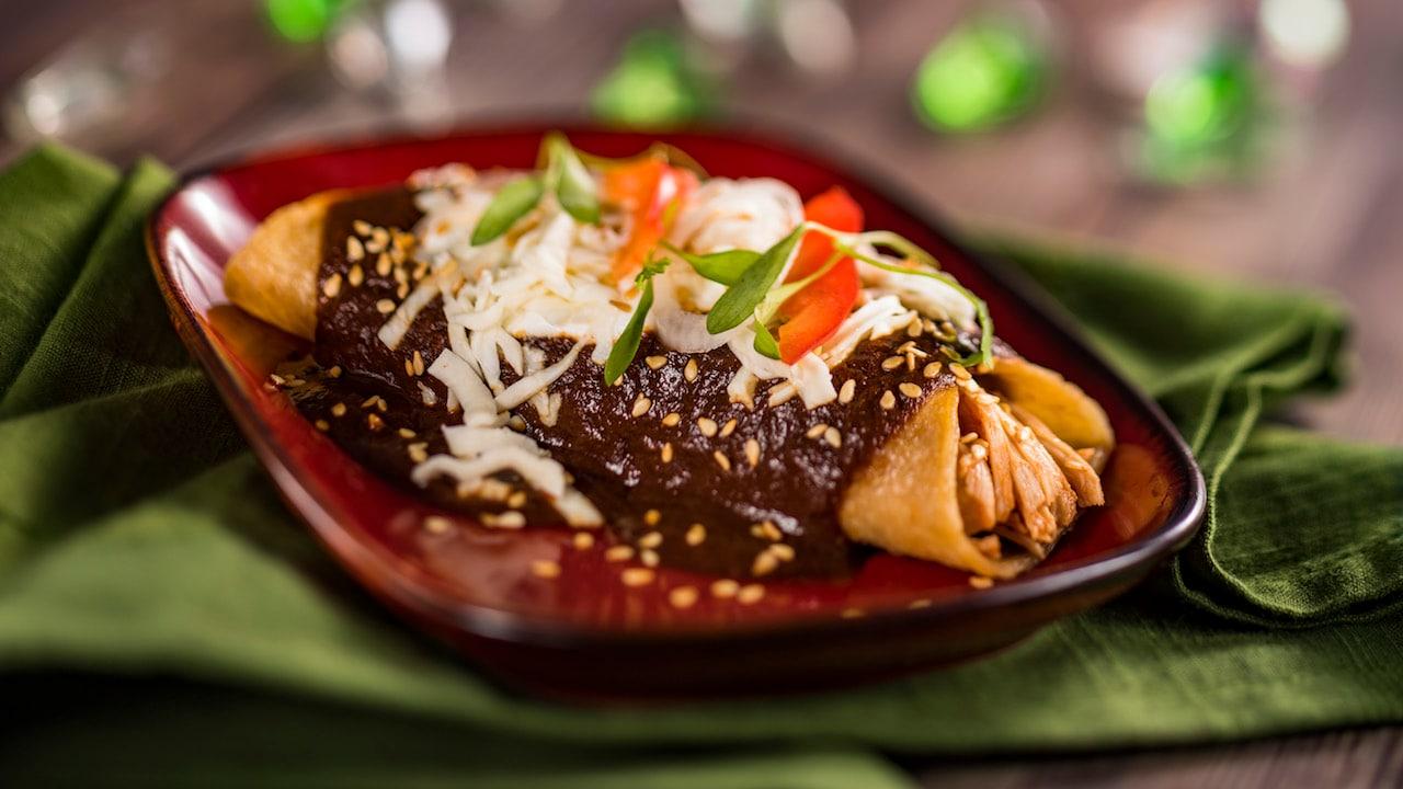 Enchiladas de Pollo con Mole