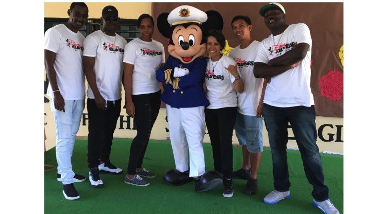 Disney Cruise Line Crew Members Spread Holiday Cheer