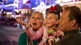 Moms Panel Monday: Top Tips for Making the Most of Mickey's Very Merry Christmas Party