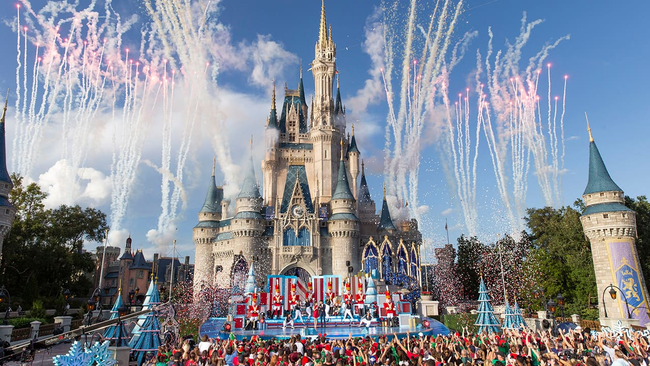 Disney Parks Magical Christmas Day Parade 2020 Tune in to 'Disney Parks Magical Christmas Day Parade' on ABC for