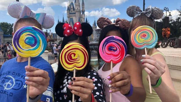 Disney-Themed Manicures at Walt Disney World Resort