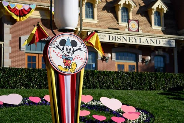 Share 'Lovely' Moments during Valentine's Month at the Disneyland Resort