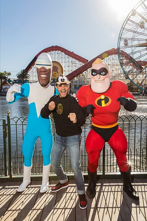 Trevor Noah with Mr Incredible and Frozone, Disney California Adventure park