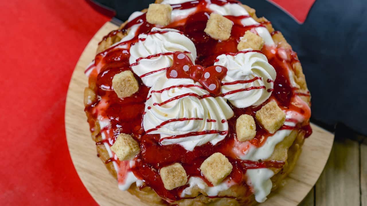 "Strawberry Cheesecake ""Funnel of Love"" from Stage Door Café for Minnie's Valentine's Day Surprise at Disneyland Park"