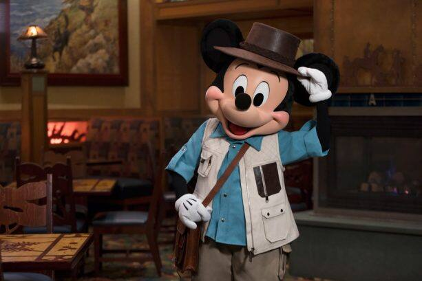 Character dining at Disneyland Resort