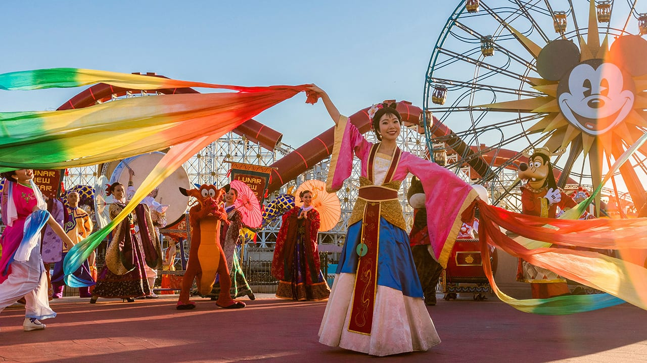 Video Lunar New Year 2019 At Disney California Adventure