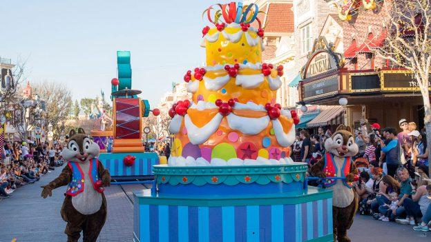 'Mickey's Soundsational Parade' at Disneyland Park