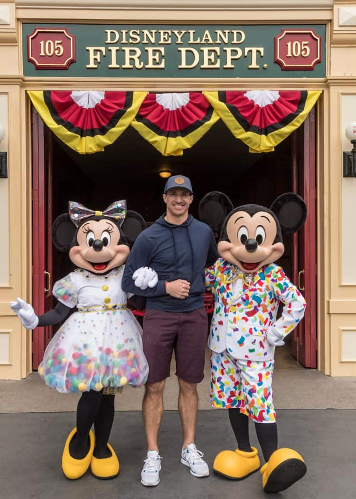 Drew Brees Poses with Mickey Mouse and Minnie Mouse at Disneyland Park