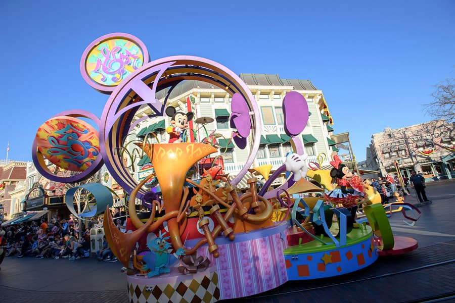 Mickey's Soundsational Parade at Disneyland Park