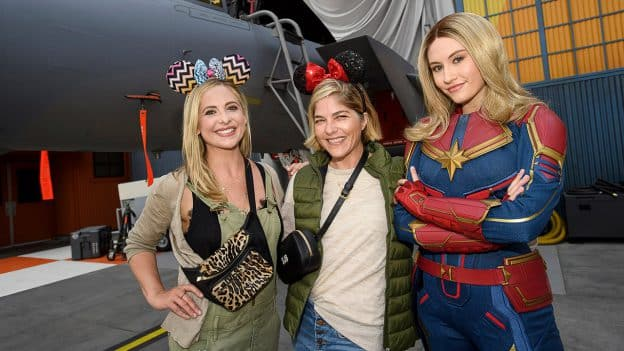 Sarah Michelle Gellar and Selma Blair shared a special moment with Captain Marvel at Disney California Adventure park