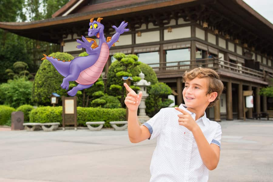 Disney PhotoPass Magic Shot in Epcot - World Showcase