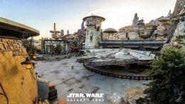 Star Wars: Galaxy's Edge at Disneyland Park Wallpaper 1366x768