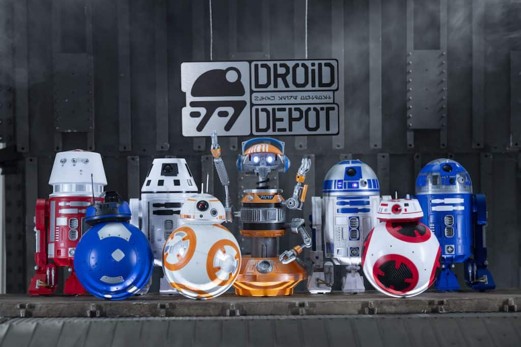 Star Wars: Galaxy's Edge Merchandise - Custom Droids fromSavi's Workshop