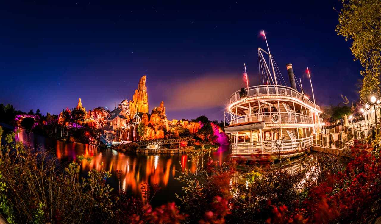 Disney Parks After Dark: Frontierland Lights Up at Disneyland Paris