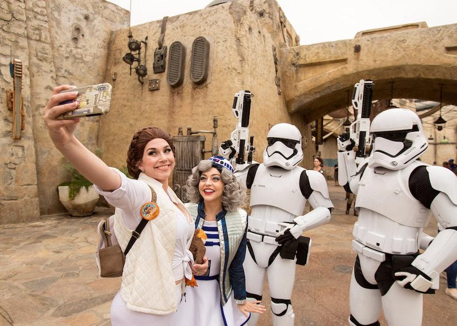 Storm Topper in Star Wars: Galaxy's Edge at Disneyland Park