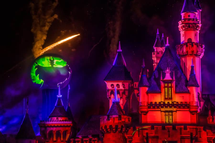 Disneyland Halloween 2019 Guide: Rides, Food, Decorations
