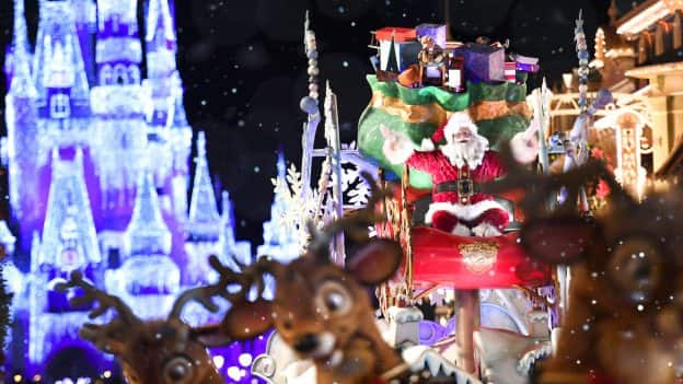 Mickeys Very Merry Christmas Party 2019.Tony S Most Merriest Town Square Party Returning To Mickey S