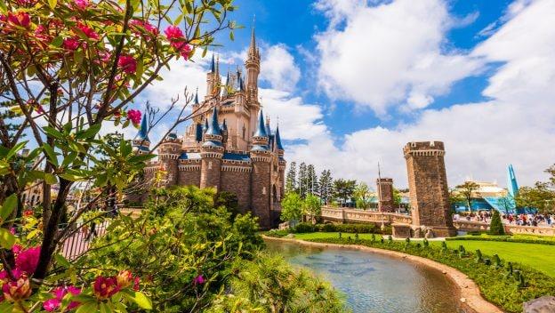 Tokyo Disney Resort modifica anúncios para promover inclusão