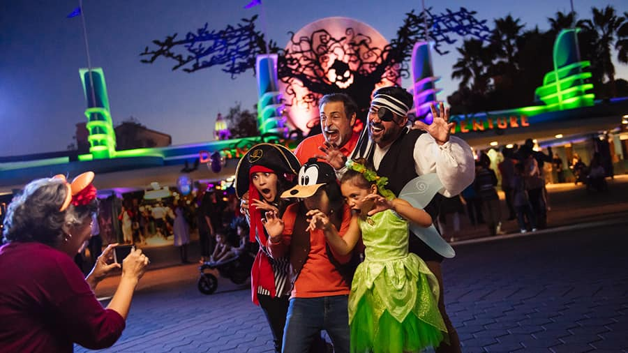 Halloween Disney California Adventure