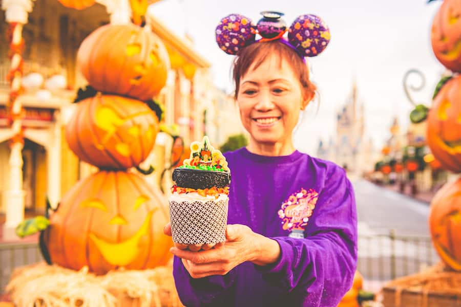 Amuck, Amuck, Amuck Cupcake from Main Street Bakery for Mickey's Not-So-Scary Halloween Party at Magic Kingdom Park