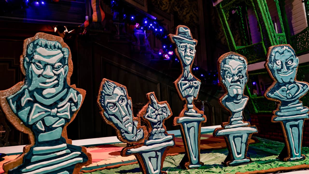 VIDEO: Bringing the 2019 Haunted Mansion Holiday Gingerbread House to Life at Disneyland Park
