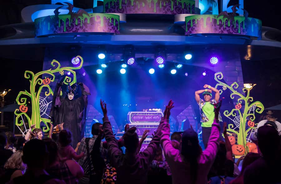 Villains Dance Party at the Tomorrowland Terrace in Disneyland park