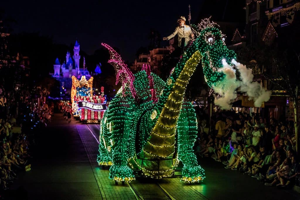 Main Street Electrical Parade - Town Square - Disneyland Park