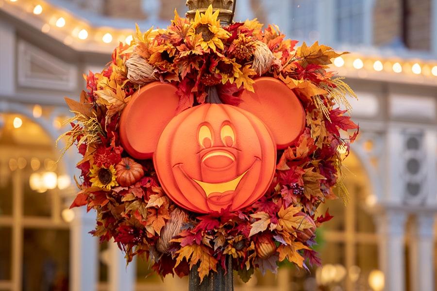 Mickey Mouse pumpkin wreath at Magic Kingdom Park