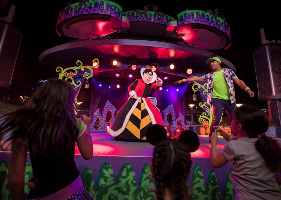 Villains Dance Party at the Tomorrowland Terrace at Disneyland Park