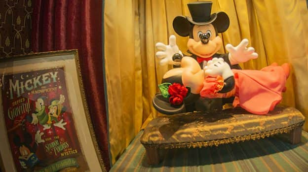 Theme Park Bits: Snow White's Scary Refurbishment, Disney World New Year's Parties, and More