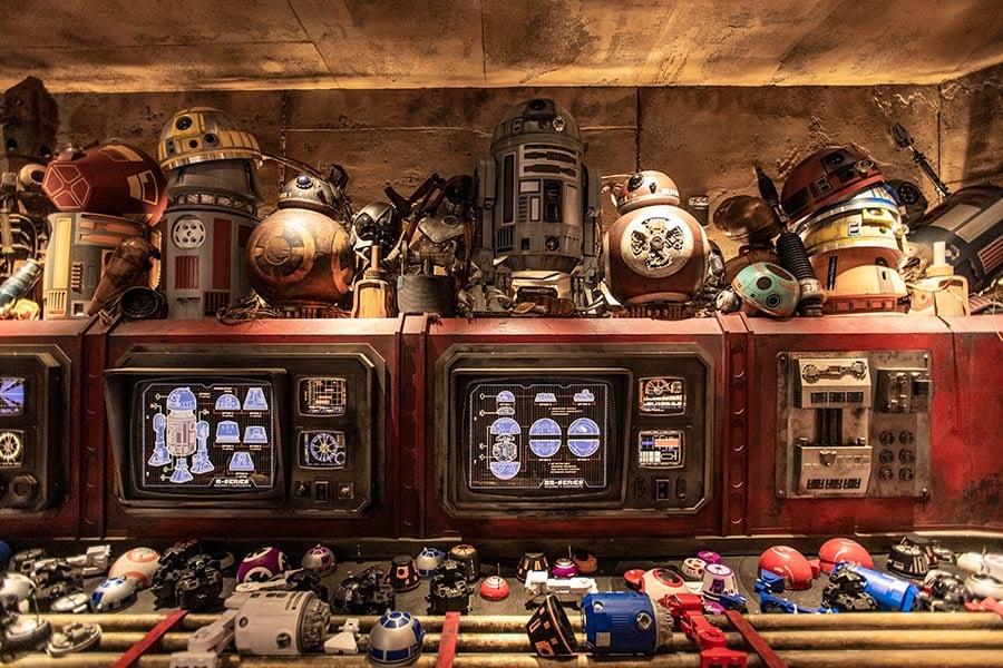 Droid Depot, Disney Parks