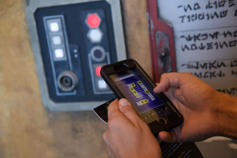 Star Wars: Datapad on Play Disney Parks Mobile App in Star Wars: Galaxy's Edge