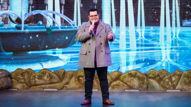"Actor Josh Gad surprises guests attending the ""For the First Time In Forever: A Frozen Singalong Celebration"" at Disney's Hollywood Studios"