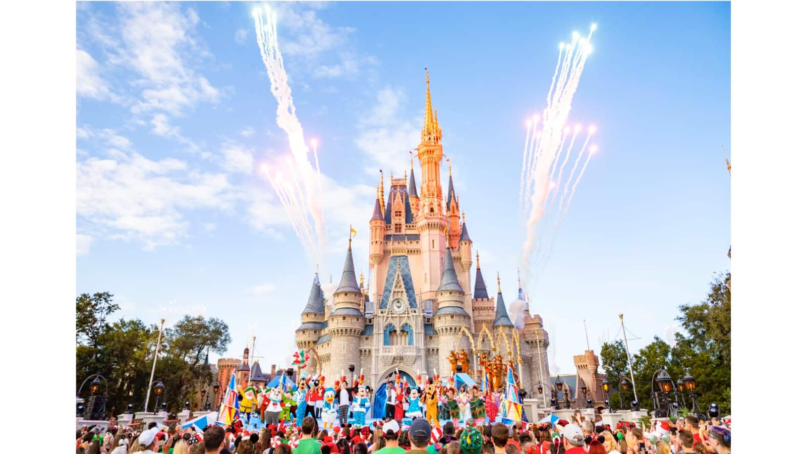 The 'Disney Channel Holiday Party @ Walt Disney World' Airs Tonight thumbnail