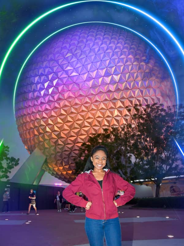 Spaceship Earth Disney PhotoPass Photo Op at Epcot