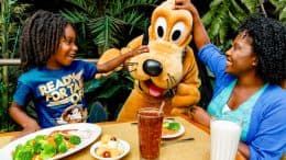 Family eating at Garden Grill at EPCOT