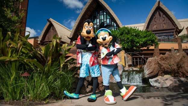 Max and Goofy at Aulani, a Disney Resort & Spa