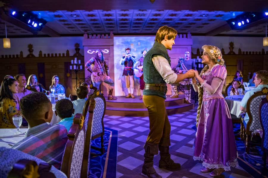 Rapunzel and Flynn Rider in Rapunzel's Royal Table aboard the Disney Magic