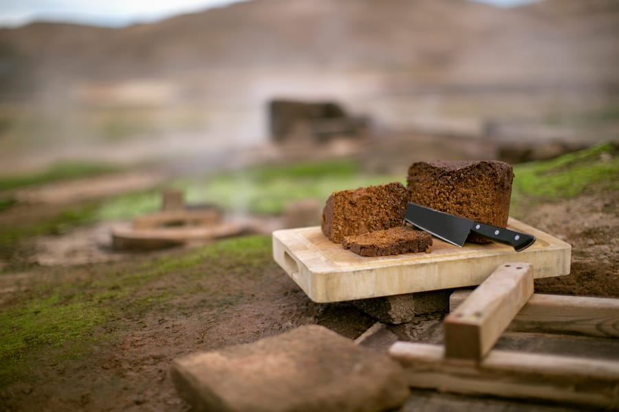 Geyser bread (Rúgbrauð)