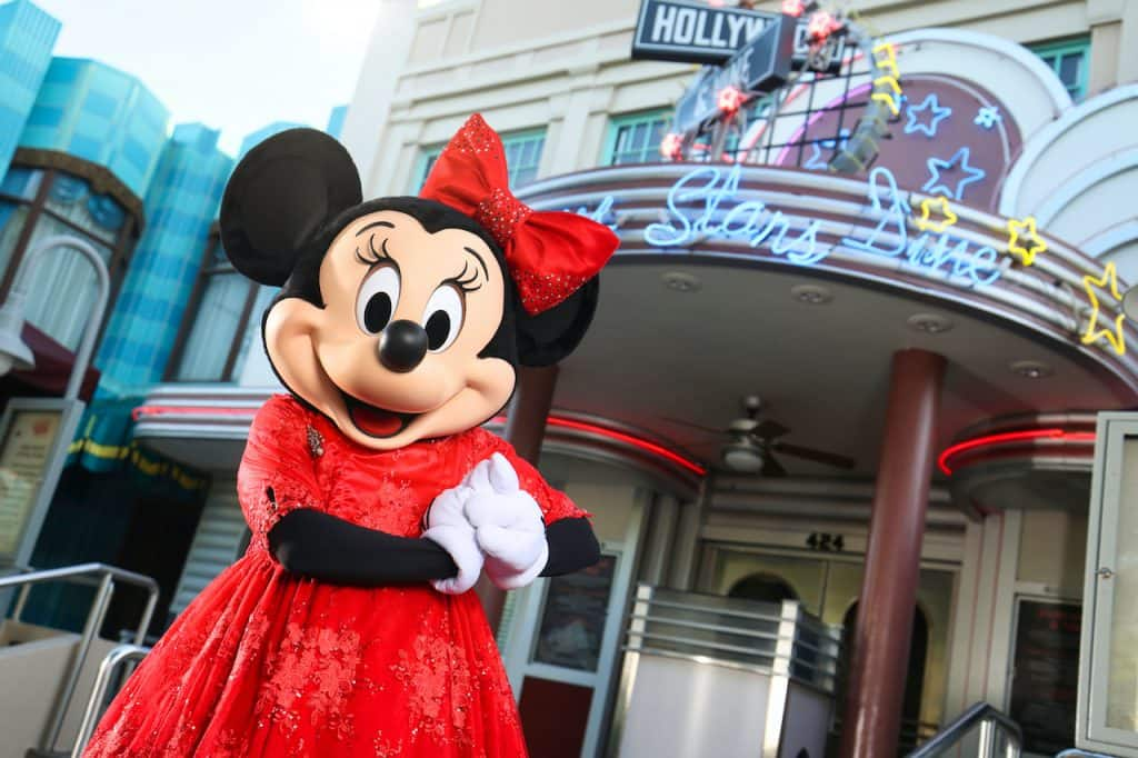 Minnie Mouse hosting a yuletide gathering at Hollywood & Vine at Disney's Hollywood Studios