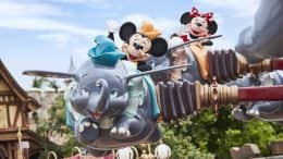 Mickey and Minnie Mouse at Hong Kong Disneyland