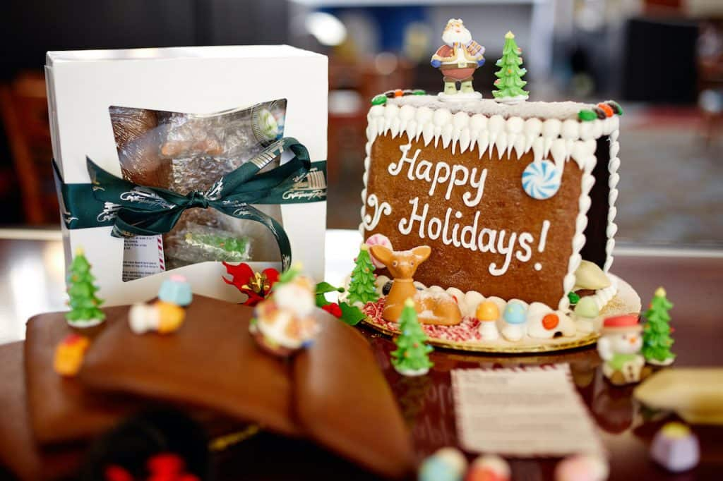 Contemporary Bakery Gingerbread Kit
