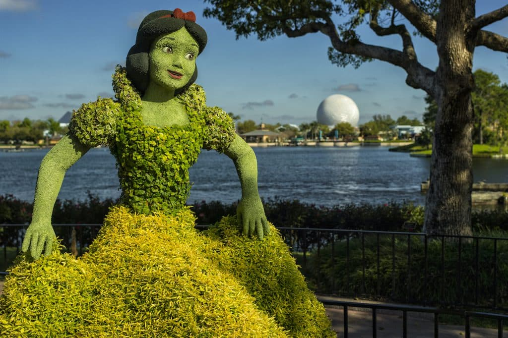 Snow White topiary at EPCOT