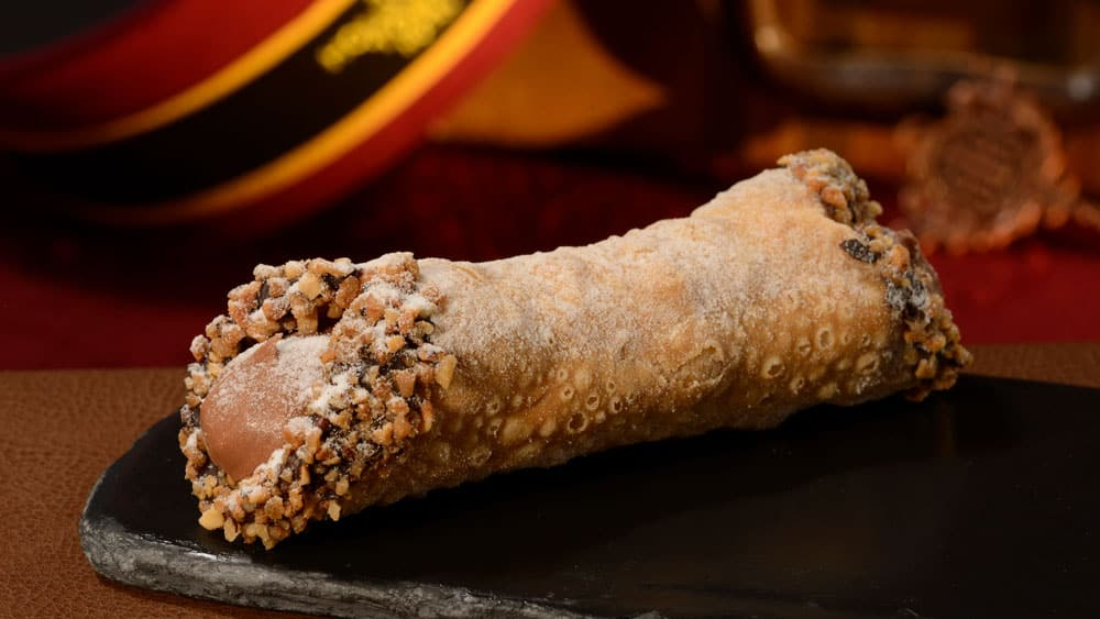Hazelnut Crunch Cannoli at PizzeRizzo